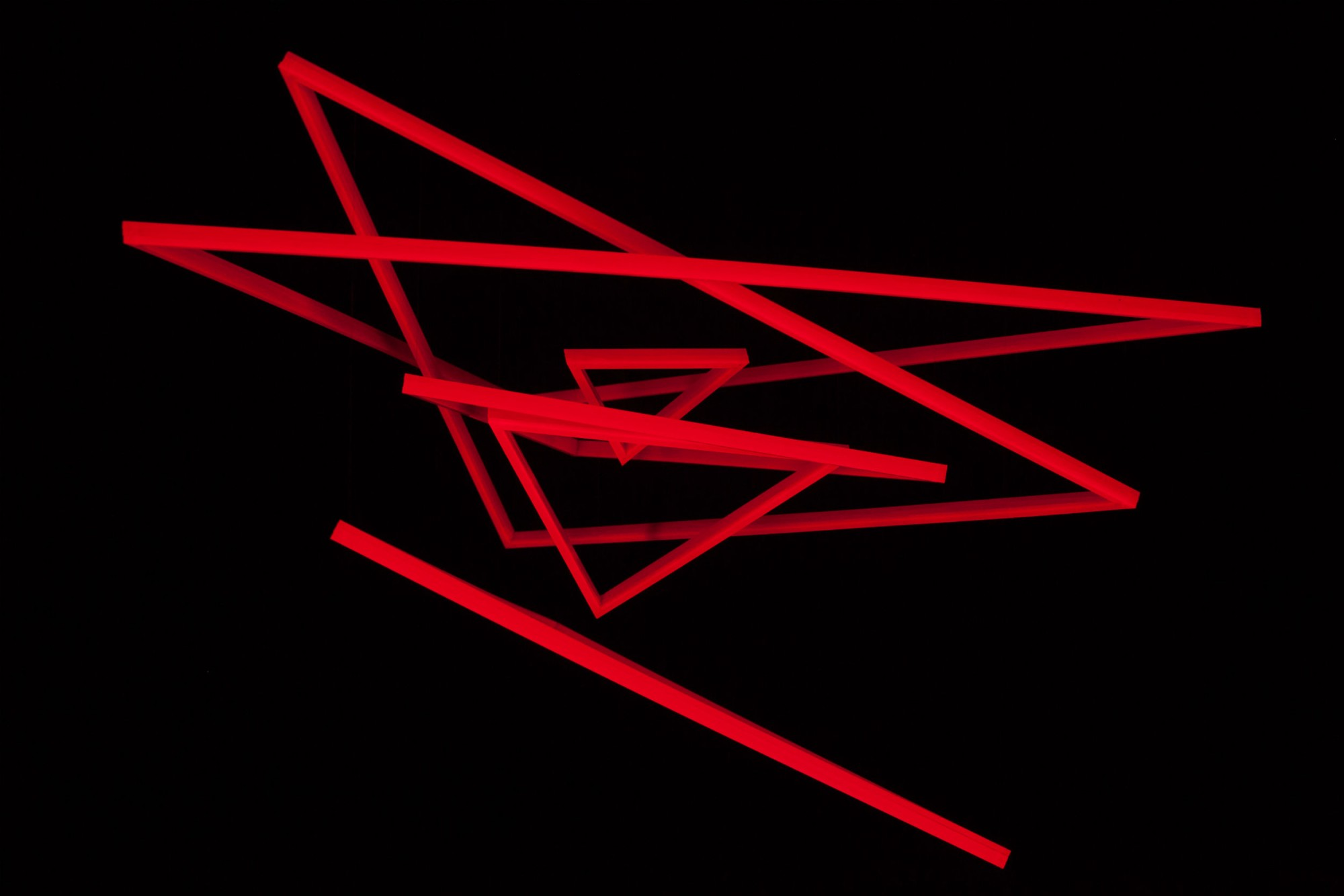 Trianguconcentricos_Rouge_Fluo_2.jpg