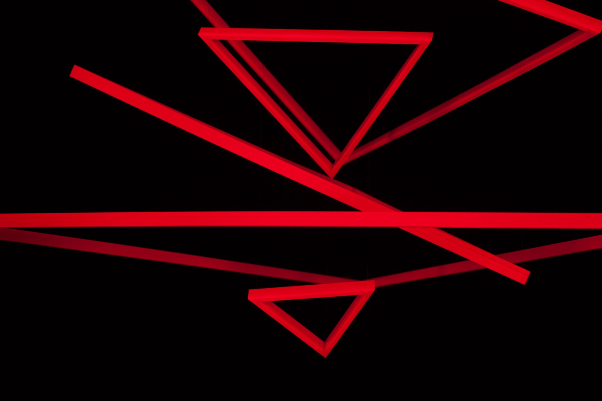 Trianguconcentricos_Rouge_Fluo_4.jpg